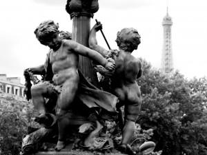 Paris Le Pont Alexandre-III Groupe de la Ronde des Amours